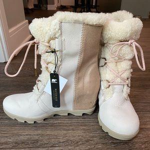 NWT Sorel Joan of Arctic Wedge Metallic Lux Boots